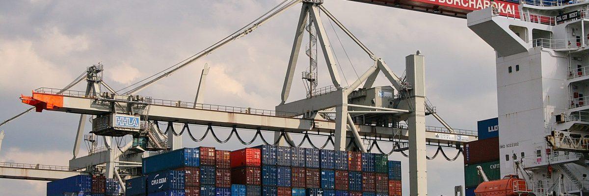 Hafenbetrieb am Eurogate Terminal der HHLA