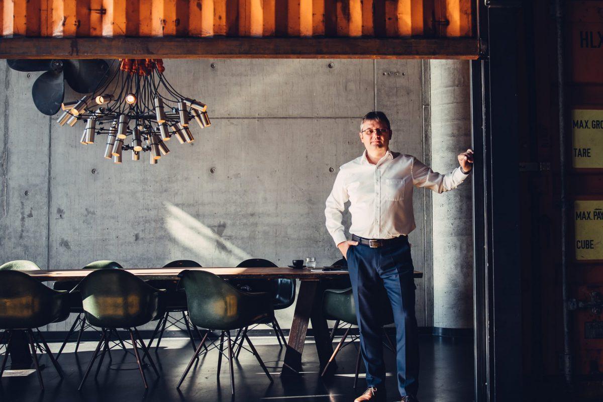 Peter Moser - Pause beim Kundengespräch